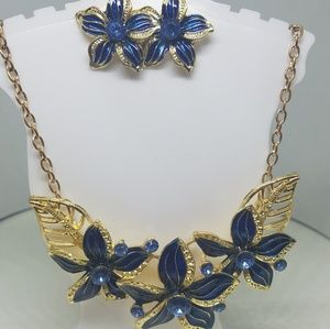 Beautiful blue flower necklace and earrings
